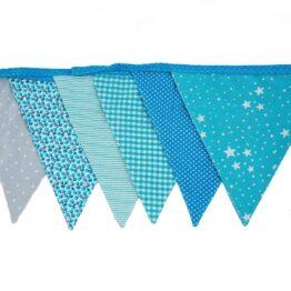 sass-and-belle_guirlande-fanions-en-tissu-bleue