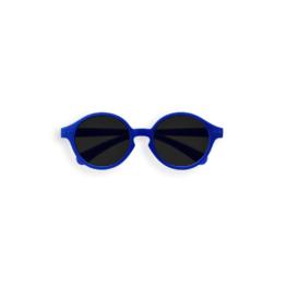 izipizi_sun-baby-marine-blue1