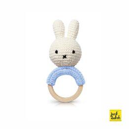 just-dutch_hochet-crochet-miffy-bleu-pastel