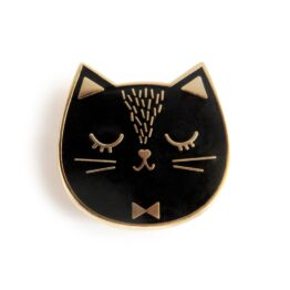 zu_pins-chat-noir
