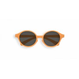 izipizi_lunettes-de-soleil-kids-12-36M-orange-firework